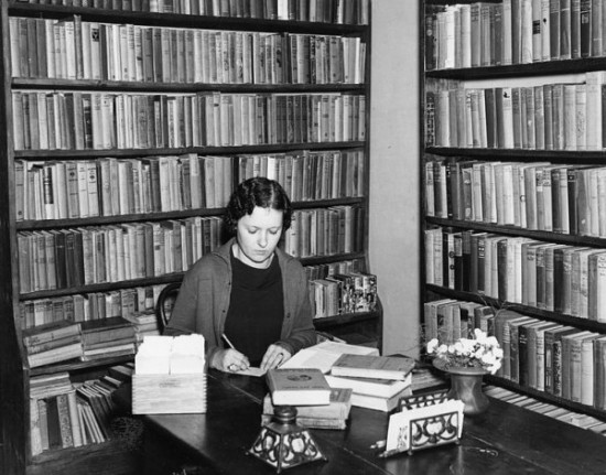 766px-Librarian_working_at_the_Pointe_Coupee_Parish_Parish_library_in_New_Roads_Louisiana_in_1936